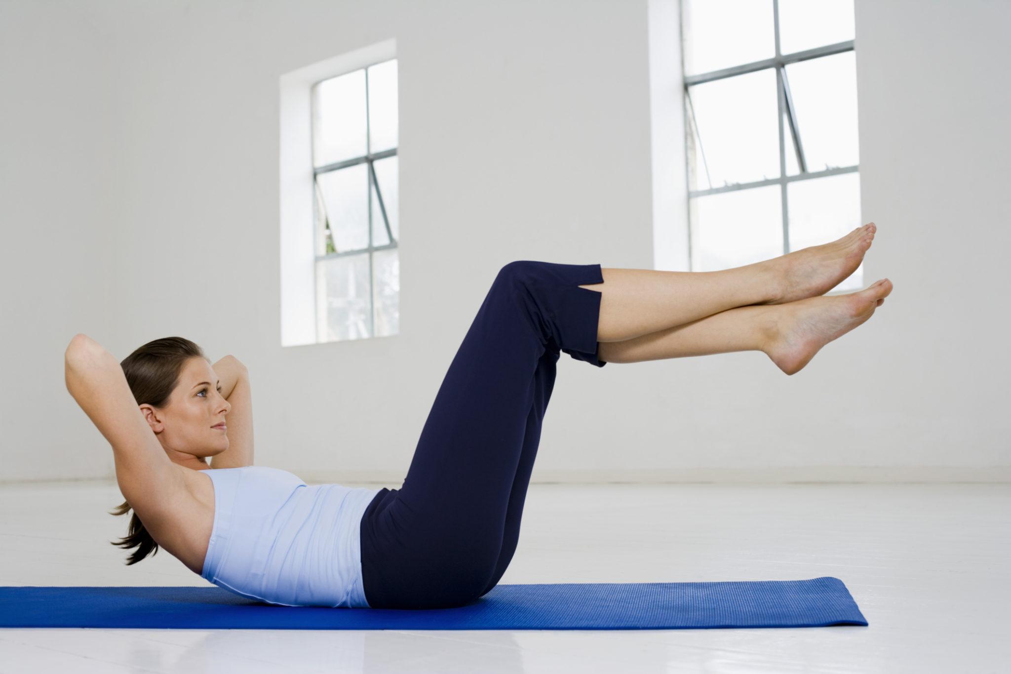 Самое эффективное упражнение на нижний пресс в домашних условиях